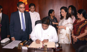 Minister Ravi Karunanayake Assumes Duties At  the Ministry of Foreign Affairs