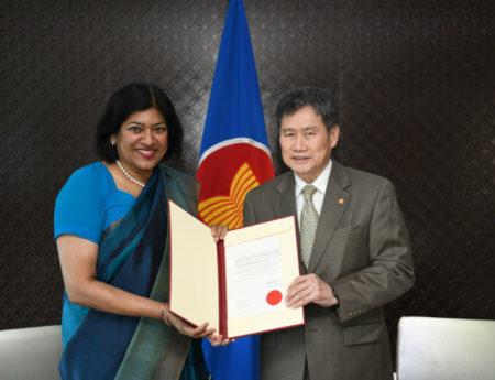 Ambassador Yasoja Gunasekera Presents Letter of Credence to Secretary General of ASEAN H.E Dato Lim Jock Hoi